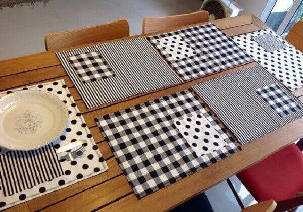 Artesanatos em geral com tecido branco e preto