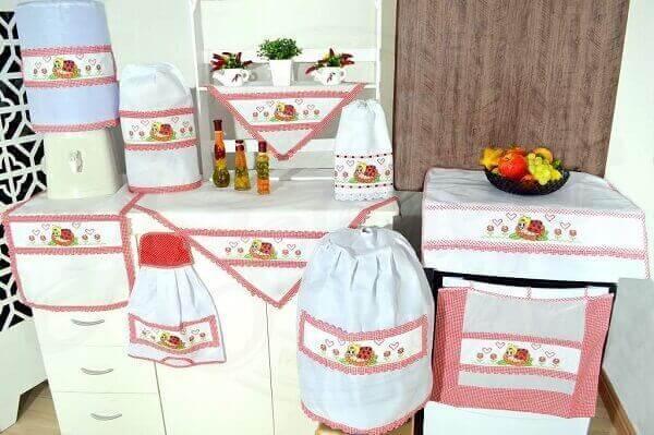 Artesanatos em geral para cozinha completa