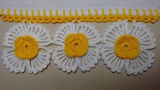 Bico de crochê com flores grandes Foto de Wilma Crochê