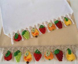 Bico de crochê para pano de prato com frutas de crochê Foto de MS Musical