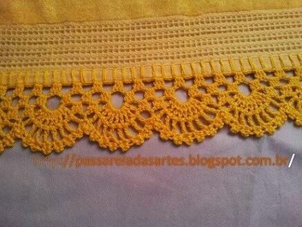 Bico de crochê para toalha amarela Foto de Passarela das Artes