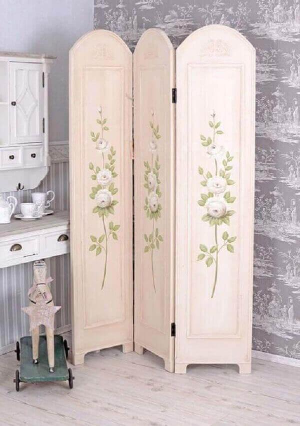 Biombo decorativo em ambiente