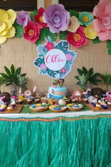 Bolo de festa Moana com bonecos Funko Foto de Catch My Party