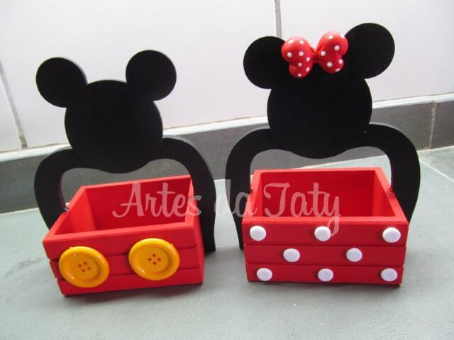 Cachepôs como lembrancinhas do Mickey e da Minnie Foto de Elo7