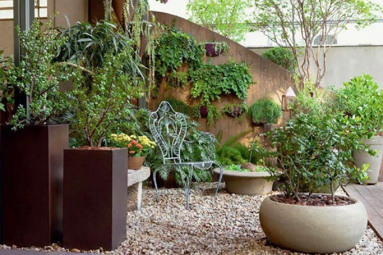 Decoração com plantas e pedras para jardim Foto Habitissimo