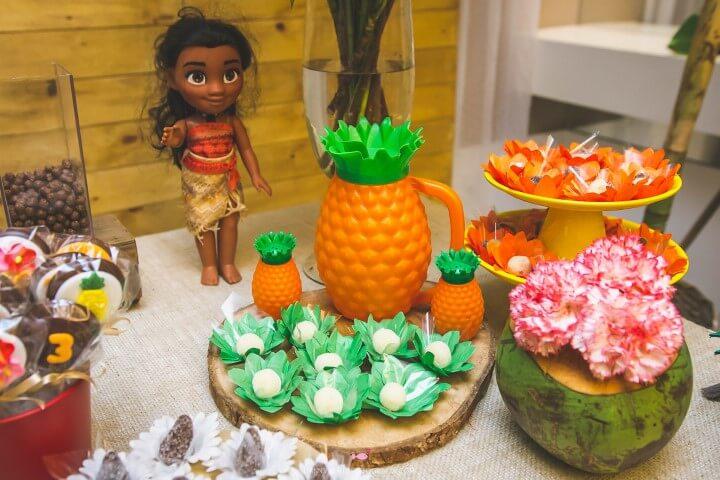 Decoração de festa Moana com abacaxis Foto de Danny Alves Fotografia