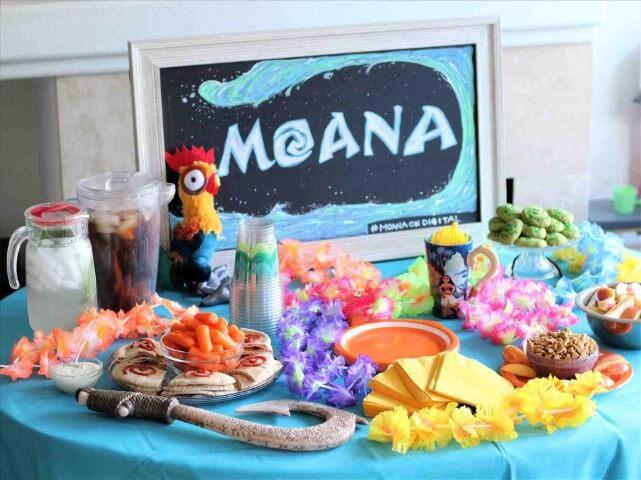 Decoração de festa Moana com colares havaianos Foto de NTSKala