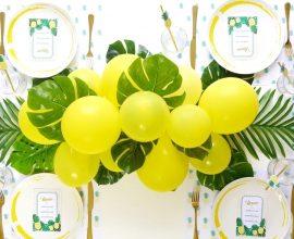 Decoração de festa tropical com bexigas