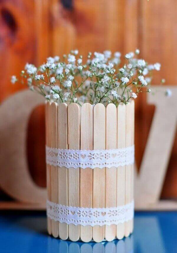 Engagement decoration arrangement with popsicle sticks
