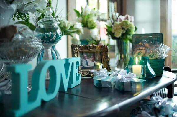 Tiffany blue engagement decoration