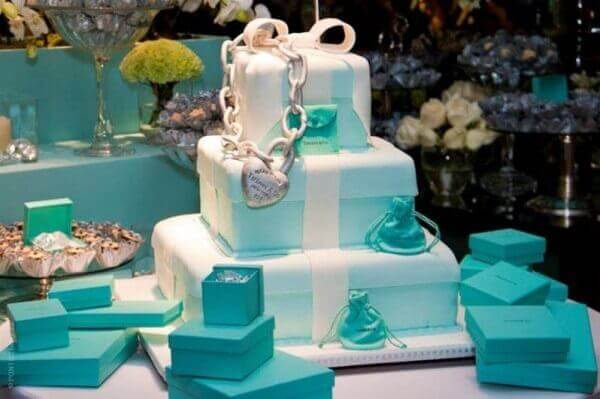 Engagement decoration tiffany blue cake