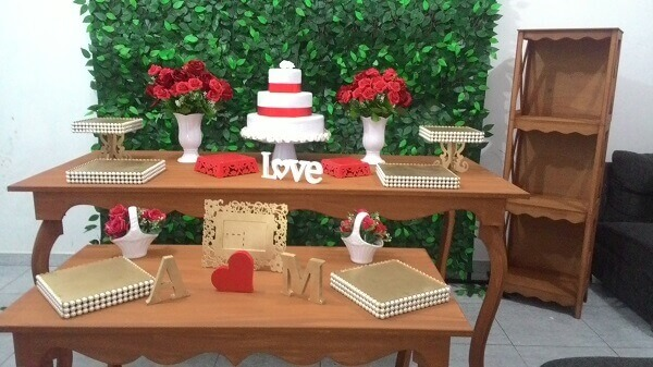 Engagement decoration in rustic style
