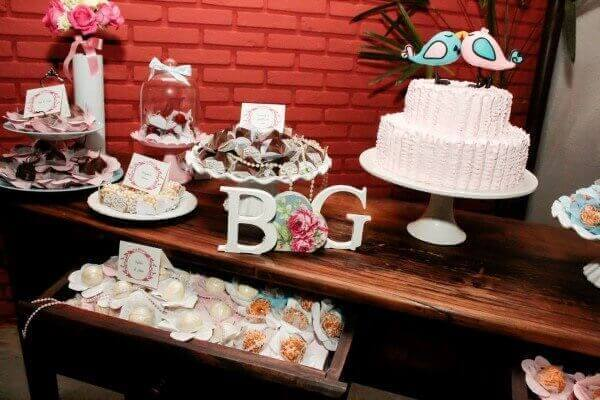 Engagement table decoration with signs