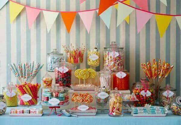 Decoração dia das crianças mesa decorada