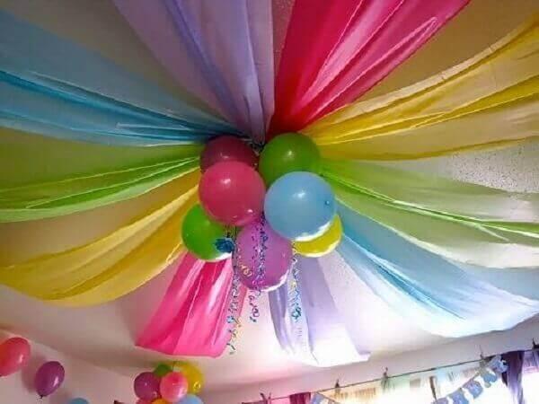 Decoração dia das crianças no teto