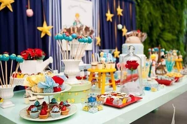 Decoração dia das crianças pequeno Príncipe
