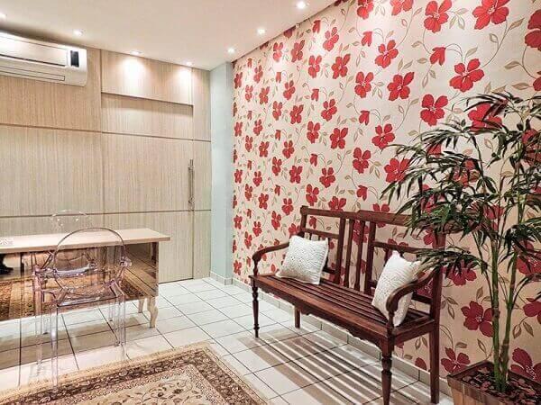 Decoração floral em sala de visitas