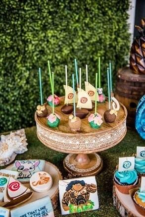 Festa Moana com docinhos temáticos Foto de Dicas da Japa