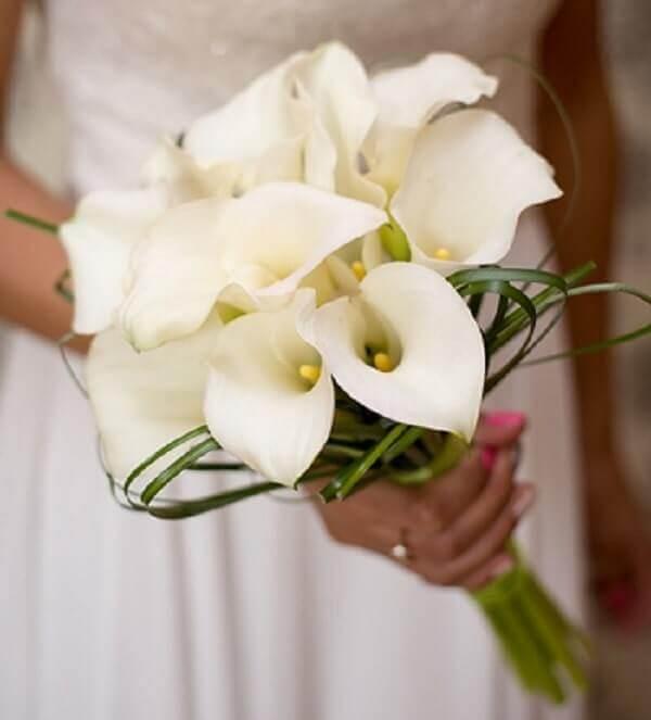 Flores lindas buquê copo de leite