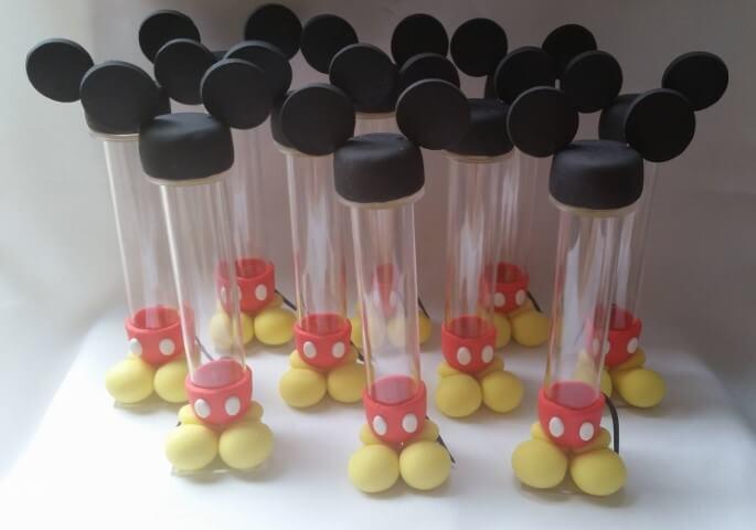 Lembrancinhas do Mickey com tubetes e biscuti Foto de Elo7