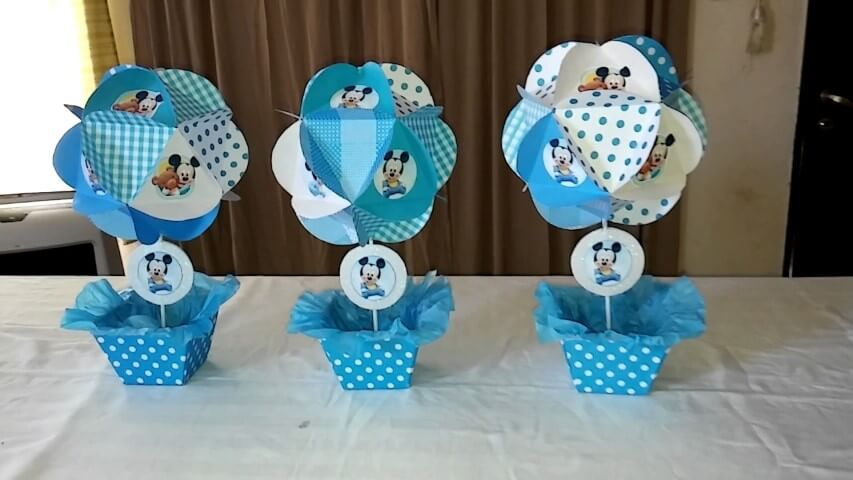 Lembrancinhas do Mickey como centro de mesa Foto de Celebrations Cake Decorating