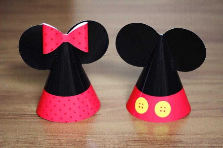Lembrancinhas do Mickey e da Minnie como chapéuzinhos de festa