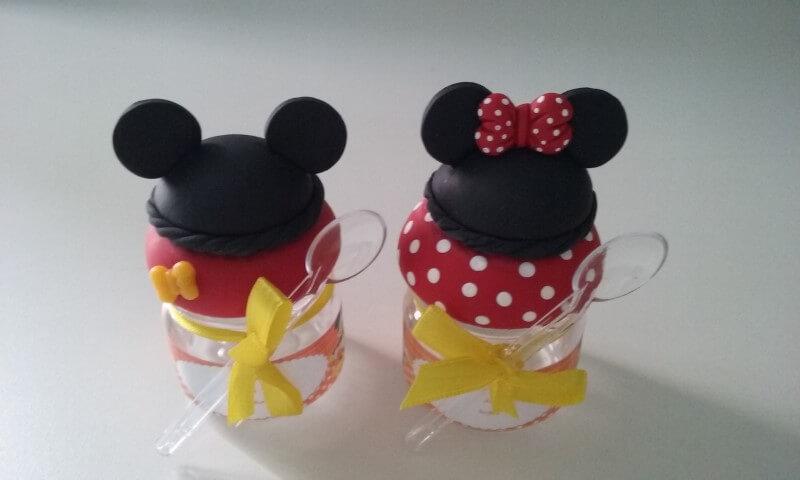 Lembrancinhas do Mickey e da Minnie como potinho para doce Foto de Elo7