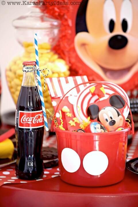 Lembrancinhas do Mickey em balde Foto de Creative Cake Factory