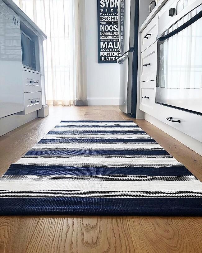 Modelo de tapete para cozinha moderna. Fonte: Simonetta Pagano