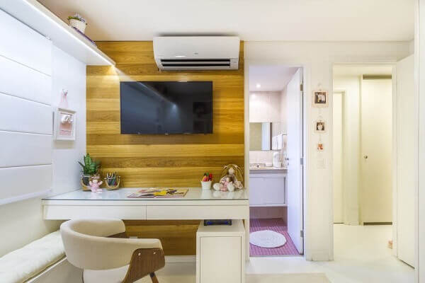 Painel para quarto com mesa para escritório pequena
