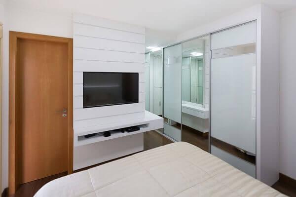 Painel para quarto de madeira branco moderno