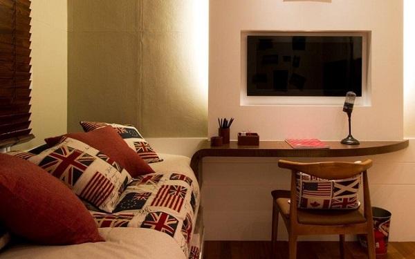 Painel para quarto de solteiro com tv embutida