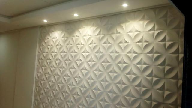 Parede com gesso 3D destacado pela iluminação Foto de OLX