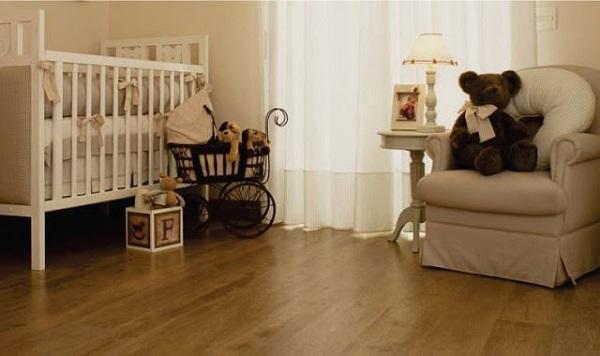 Piso laminado para quarto de bebê