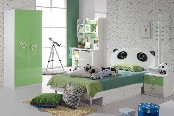 Quarto de criança com cama temática