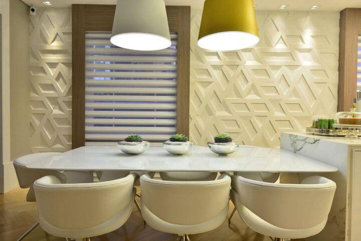 Revestimento de gesso 3D em sala de jantar com janela ampla Projeto de Casa Cor 2016