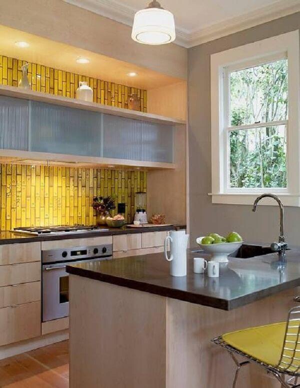 Revestimento para cozinha simulando a imagem de um bambu