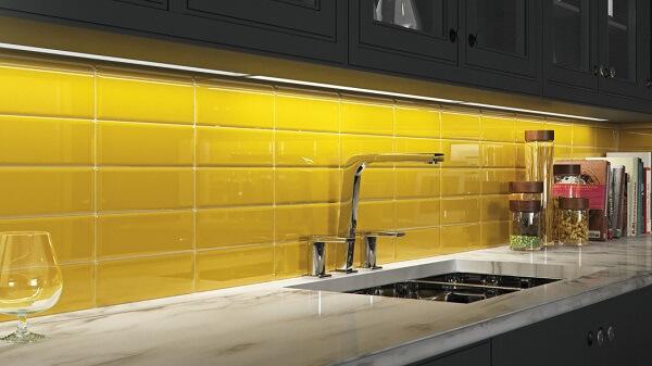 Revestimento para cozinha utilizando o modelo blacksplash