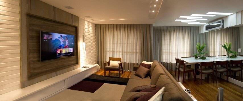 Sala com painel para TV e gesso 3D na mesma parede Projeto de Ofício da Arte