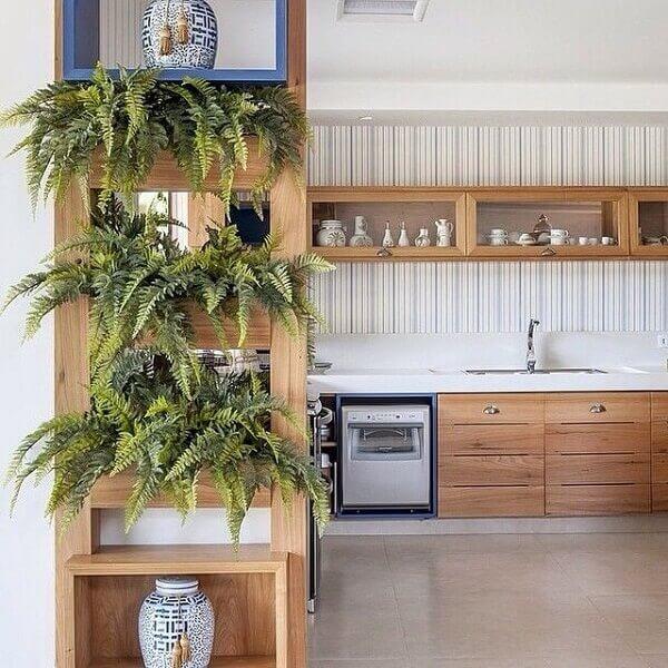 Samambaia estante de madeira