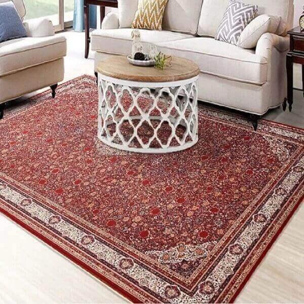 Tapete persa com fundo vermelho clássico