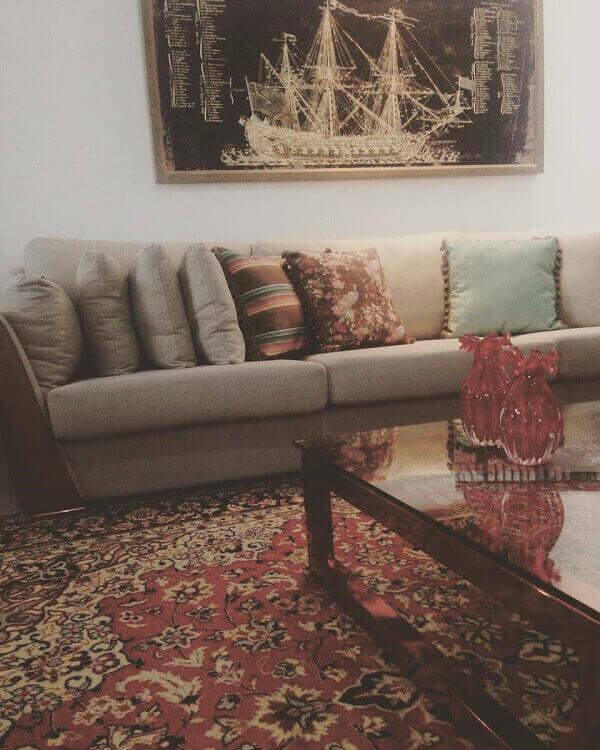 Tapete persa com tons vermelhos