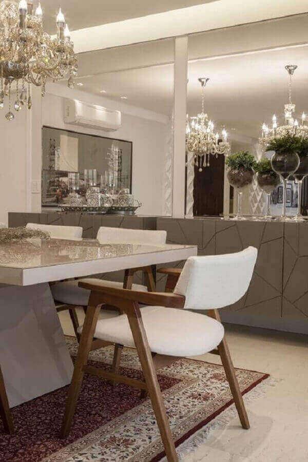 Tapete persa na sala de jantar