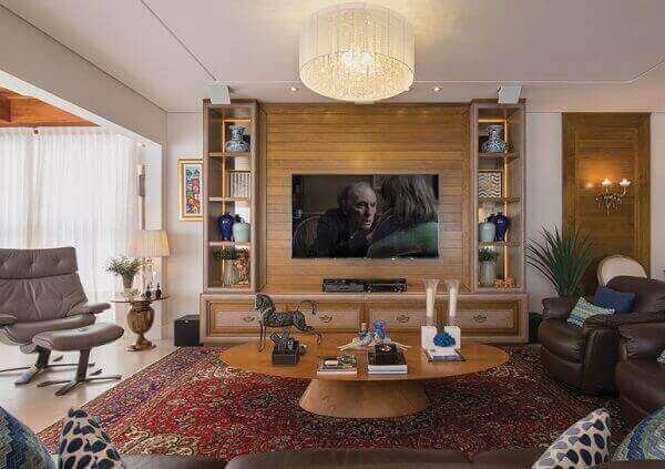 Tapete persa na sala de tv