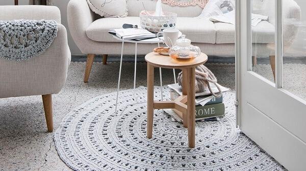 Tapetes de barbante em sala de estar