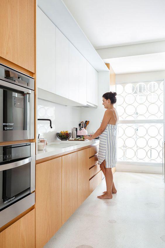 armário de cozinha - cozinha com eletrodomésticos embutidos