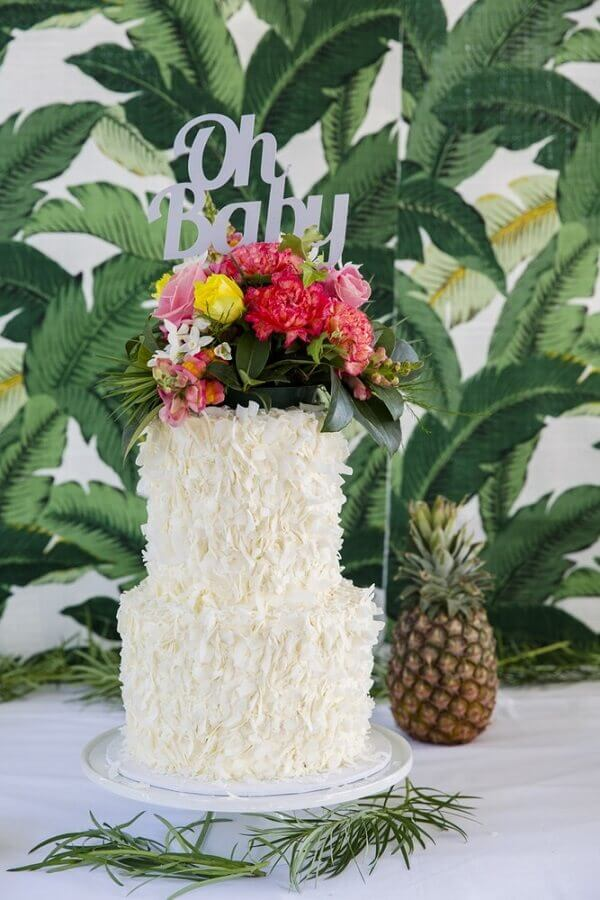arranjo de flores para bolo tropical branco Foto Party with Lenzo