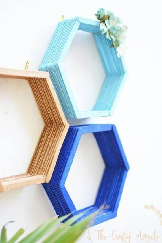 Use artesanatos em geral como o palito de picole para ter lindas peças de artesanato na sua sala