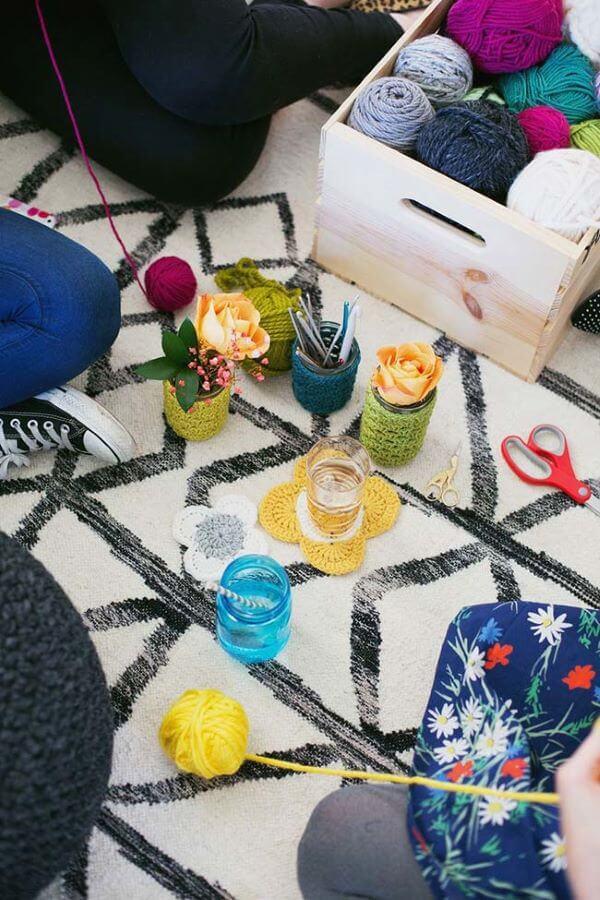 Os artesanatos em geral são feitos de crochê