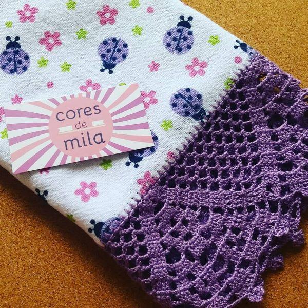 Bico de crochê roxo para toalhinha de bebe